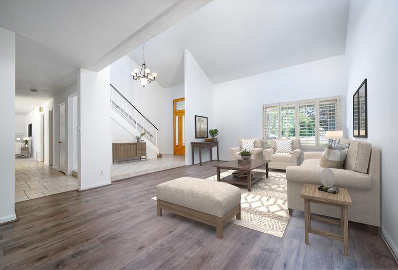 1628119397881_living_room